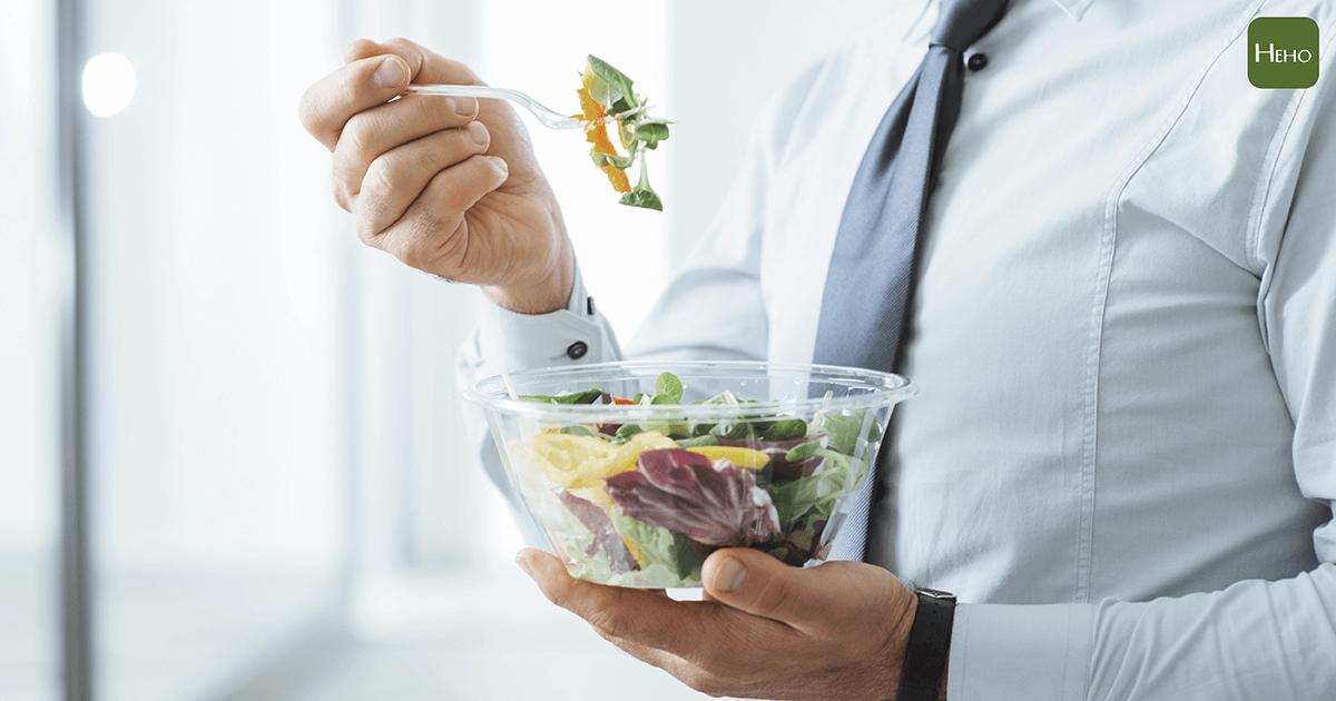 發現自己常常忘東忘西?研究:多吃蔬果可防記憶衰退!