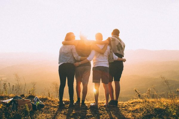 老朋友存在之必要,一起走過青春年華的他們最懂你