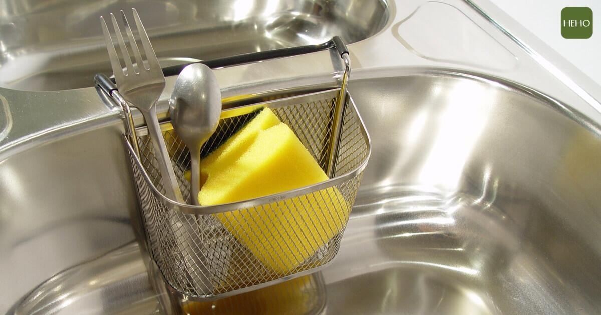 菜瓜布比馬桶還髒?5 種錯誤清潔會讓細菌大增