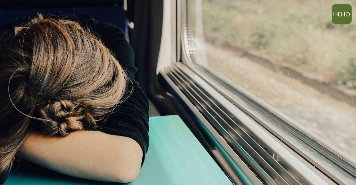 熬夜隔天精神差怎麼恢復?營養師公開快速補救 3 方法!