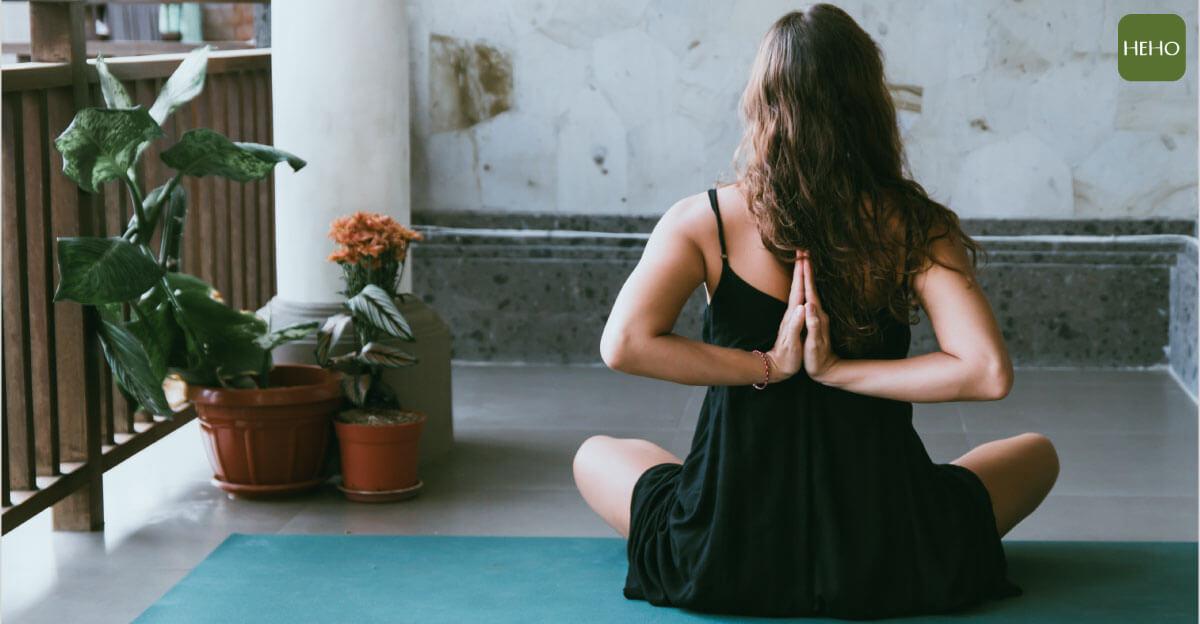 身體常過度操勞、腰酸背痛?2 招修復瑜珈讓全身都放鬆
