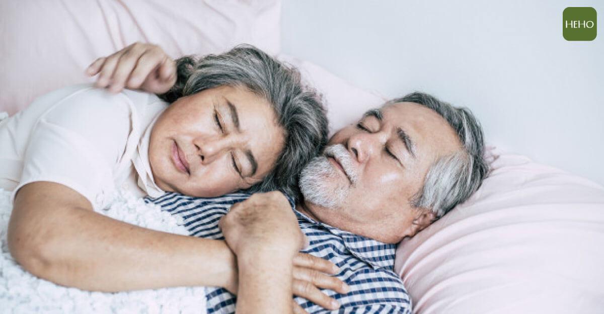 更年期失眠怎麼治?補充這些天然賀爾蒙更好睡!