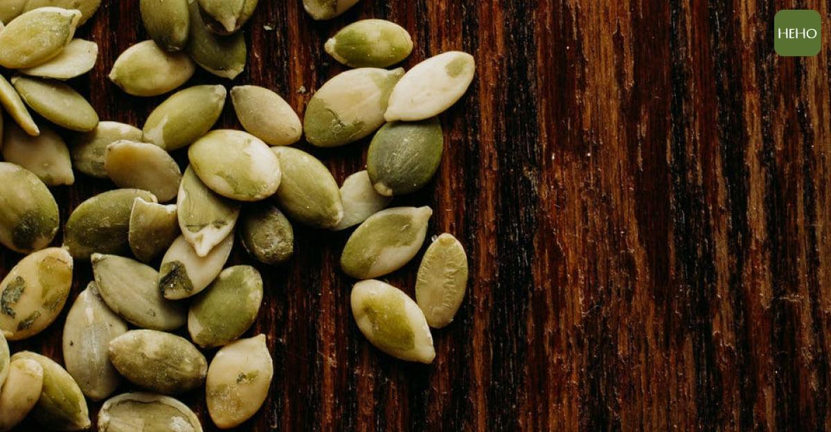 嗑瓜子也能防骨鬆、消水腫?南瓜子的 6 大好處告訴你!