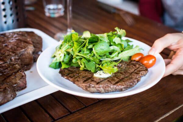 愛吃肉的人比較不健康?肉要這樣吃對身體更好