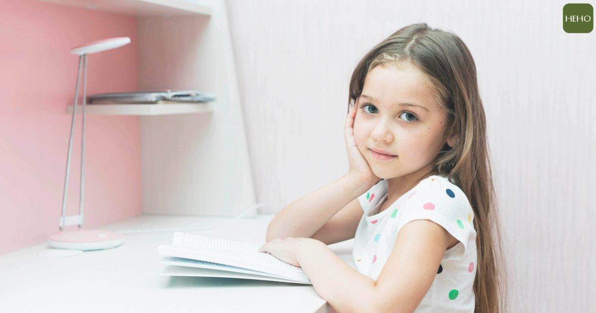 快開學了想讓孩子讀的舒服?就來檢查檯燈這三大點