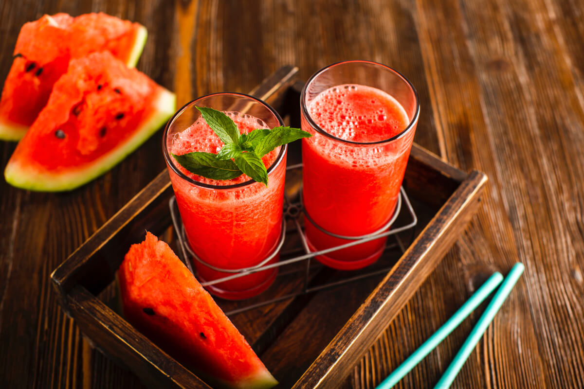 炎熱夏天裡最清涼解渴飲品!買顆西瓜回家自製3款西瓜創意飲料吧