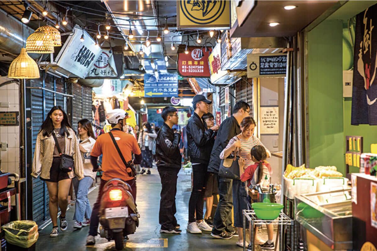 百年市場靠「美食」起死回生!低租金+老市場氛圍吸引年輕人進駐創業