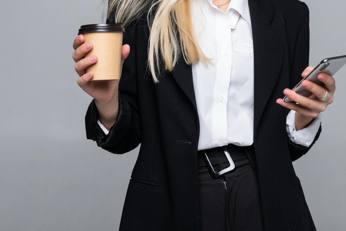 靈感總在喝咖啡後出現?其實真正的幫手是沿路的風景