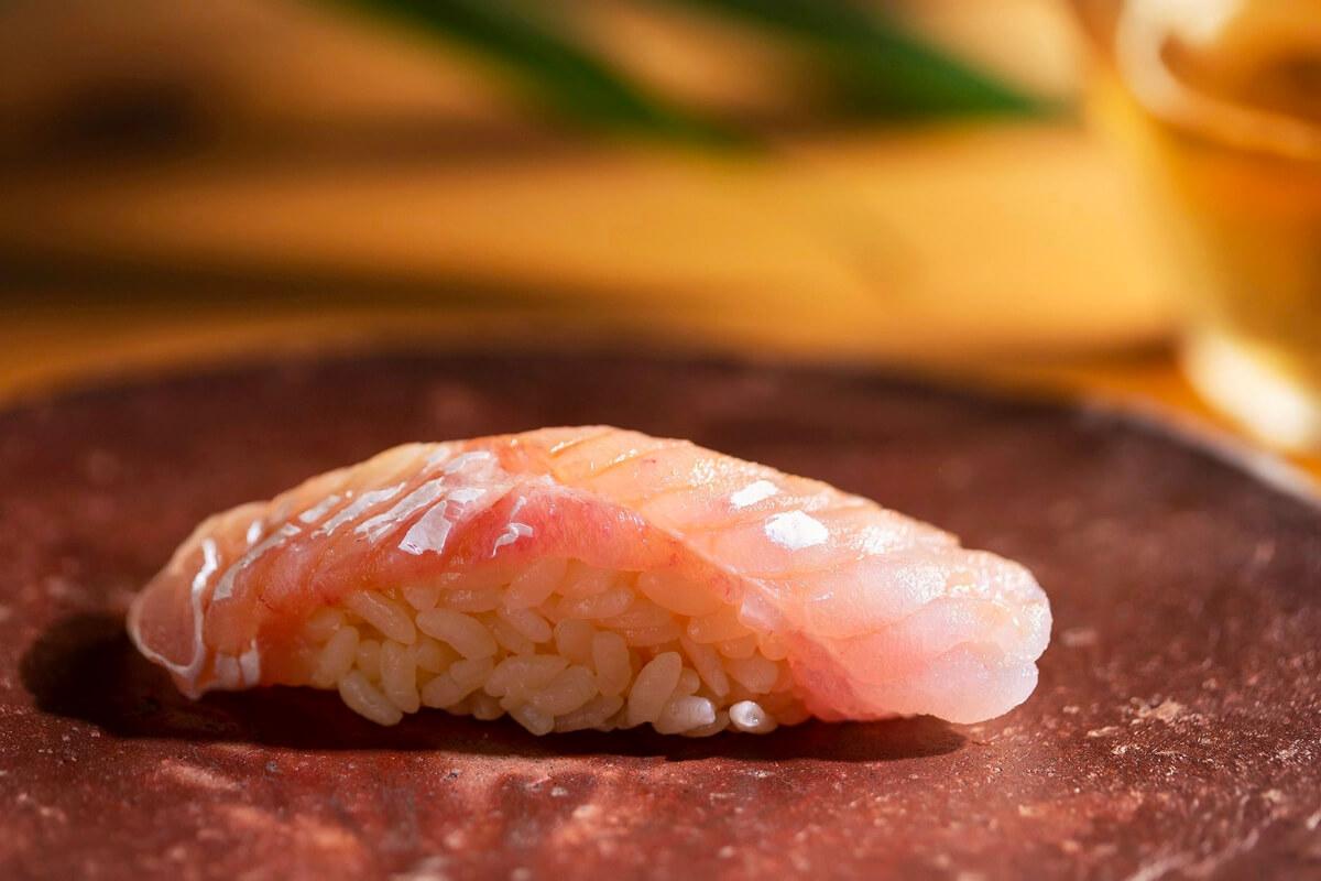 每一道都能吃出師傅的料理功力!盤點6家米其林星認證鮨料理餐廳