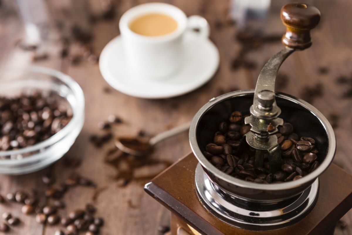 想試看看自己「手沖咖啡」的滋味?只要具備 3 種器材就能開始