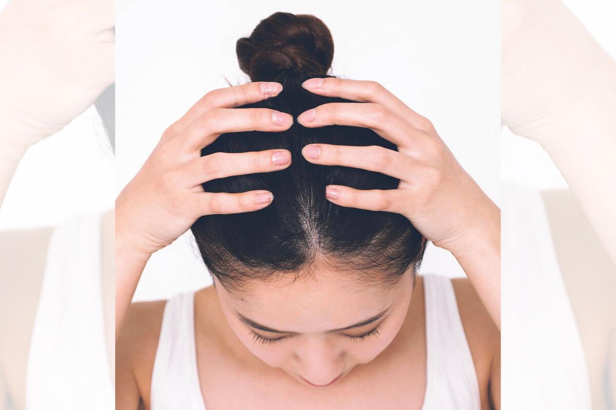 養出一頭秀麗黑髮助減齡!「讓頭皮放鬆」4動作是每天必做保養